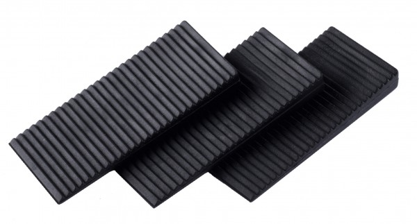 Montážne kliny plastové 70x30x8-0mm/50ks